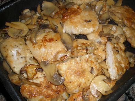 Рецепт мясо в духовке с соусом