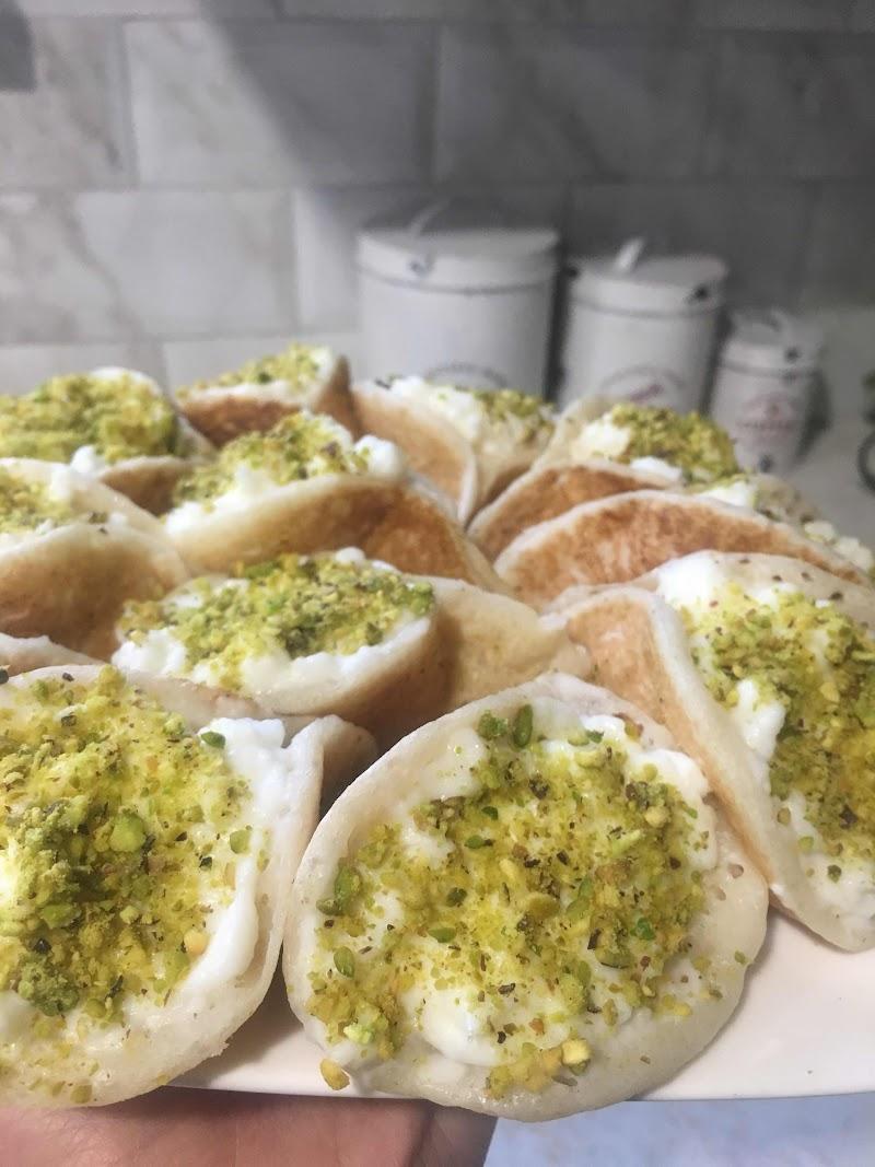 Lebanese dessert-Atayef-قطايف عصافيري