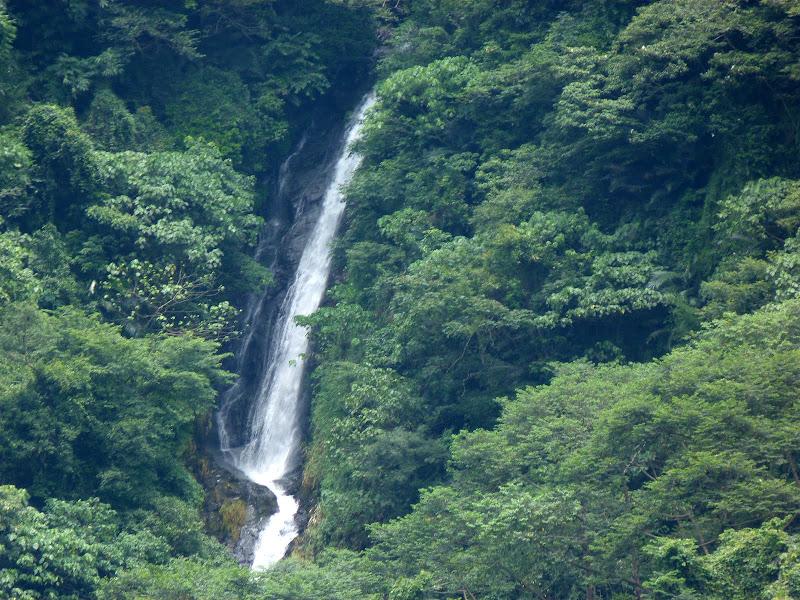 Puli  en passant , entre autres, par les villages de l ethnie Bunum de Loloko et Dili. J 10 - P1160944.JPG