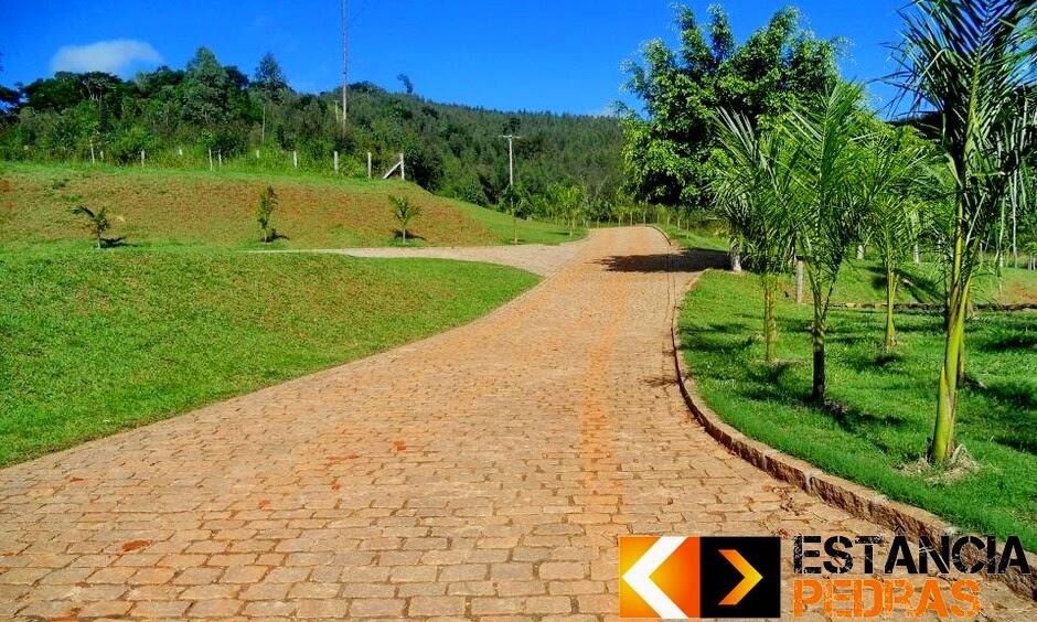 Calçamento com Paralelepípedo em São Pedro do Iguaçu (região) Realizado com Mão de Obra e Pedras da Estância Pedras