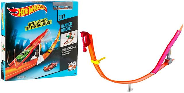 Đồ chơi Mô hình Đường đua Hot Wheels BCT35 Cây cầu nguy hiểm