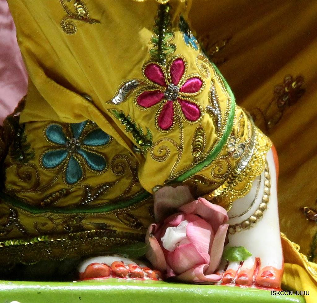 ISKCON Juhu Mangal Deity Darshan on 30th May 2016 (18)