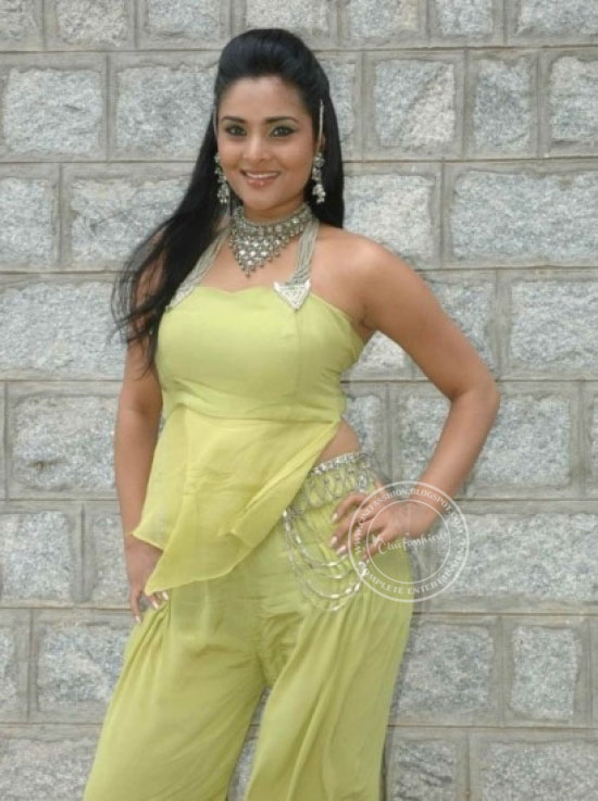 Divya Spandana Latest Stills - Latest Tamil Actress -2729