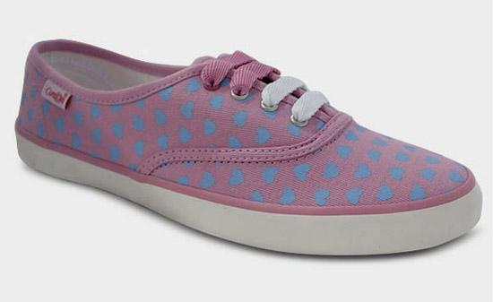 tênis cor de rosa da Capricho