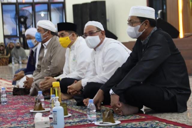 Bukber, Bupati Sayed Doa Bersama Jajaran Pemkab Kotabaru