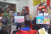 Babinsa Tipes Sasar PPKM di Pertokoan Seputaran Jalan Veteran Serengan