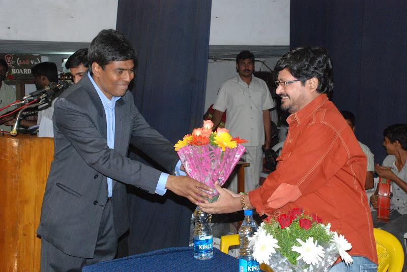 TeNA coordinator Srinivas Palthepu presenting bouquet to N.Shankar