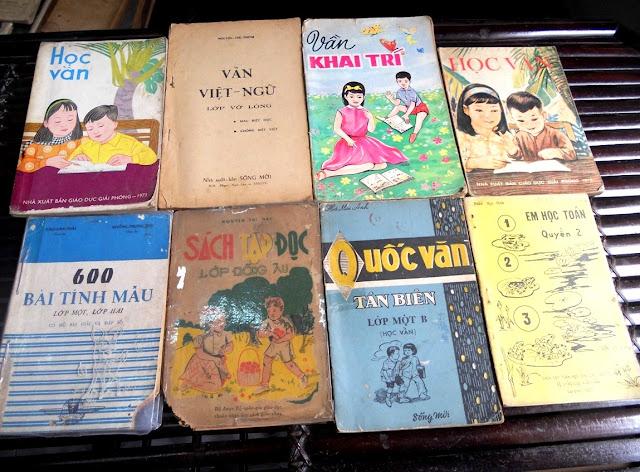 Sách giáo khoa tiểu học cũ - nơi lưu giữ từng trang ký ức DSCN2778