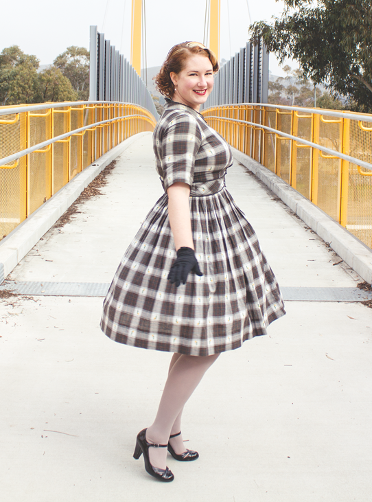 Plaid patterns and swirly skirts 1950's style | Lavender & Twill