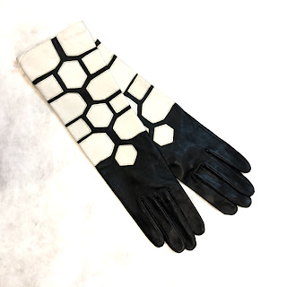 Agnelle Geometric Gloves