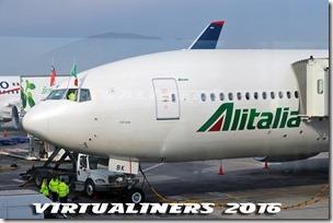 SCL_Alitalia_B777-200_IE-DBK_VL-0040