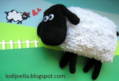 Como hacer una oveja con unos guantes lodijoella - Como hacer una oveja ...
