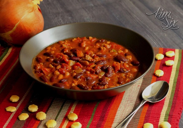 Easy beef and bean slow cooker chili