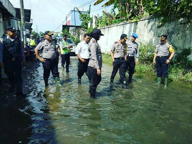 Kapolres Pati Meninjau TPS Dilokasi Banjir