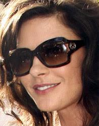 Katherine Zeta Jones com óculos de sol