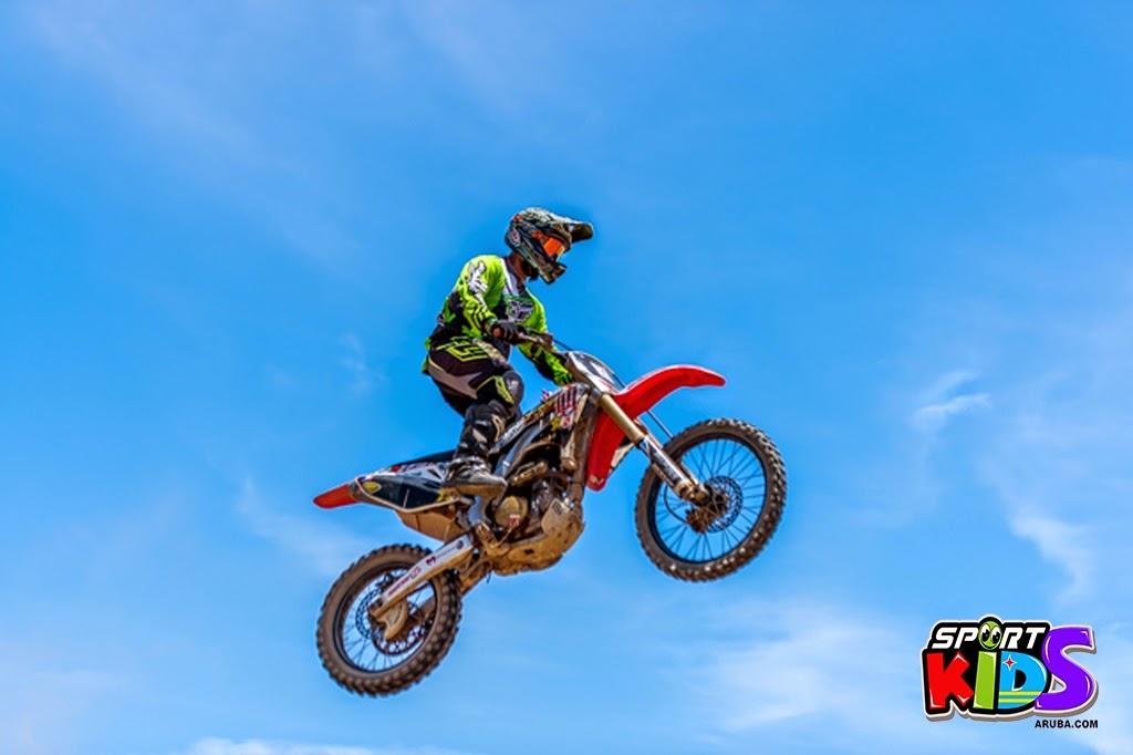 extreme motorcross Aruba - moto%2Bcross%2BGrape%2Bfiled%2BApril%2B2015-9.jpg