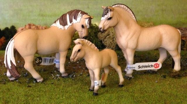 Đồ chơi Mô hình Ngựa đực Shetland Pony Gelding có thiết kế chân thực đẹp mắt