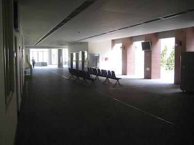 資訊大樓一樓長廊