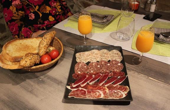 Esmorzar Mas Renart.JPG
