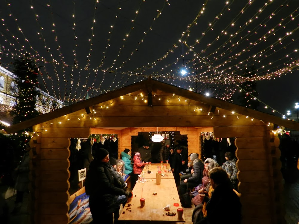 makeshift 'restaurants' at the winter market on Red Square