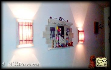 Painel com fotos e luminárias - 02
