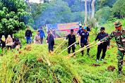 Tim Gabungan TNI/Polri dan BNN Musnahkan 2 Hektar Ladang Ganja