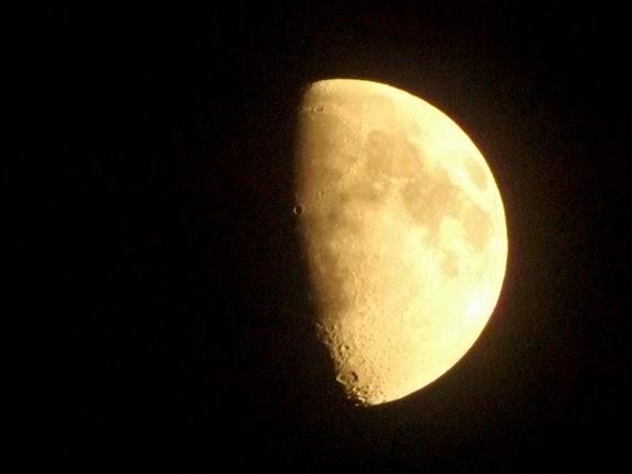 M-O-O-N, that spells moon