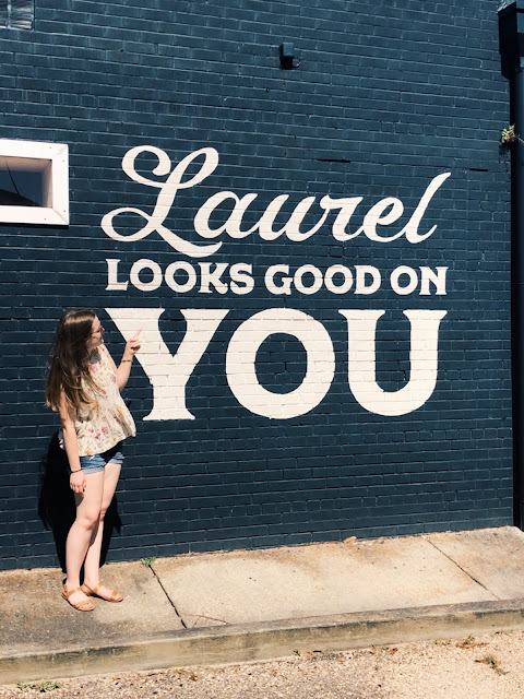 Laurel Looks Good On You, Dear Summer