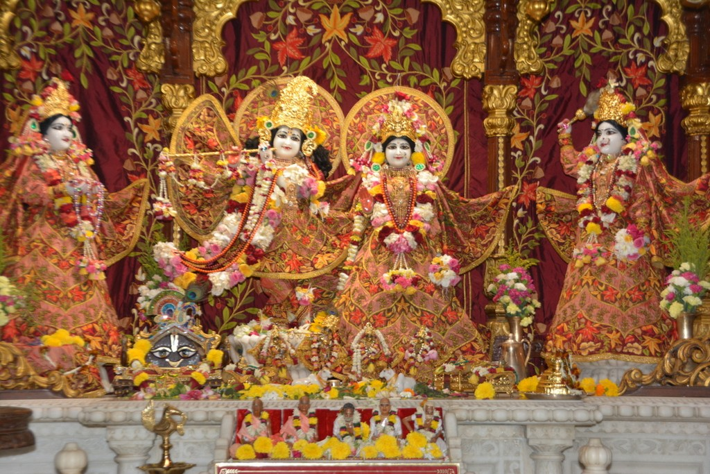 ISKCON Juhu Deity Darshan 28 Mar 2016  (2)