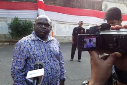 Natalius Pigai: Rasis, Menteri Jokowi Tak Ada dari Papua!