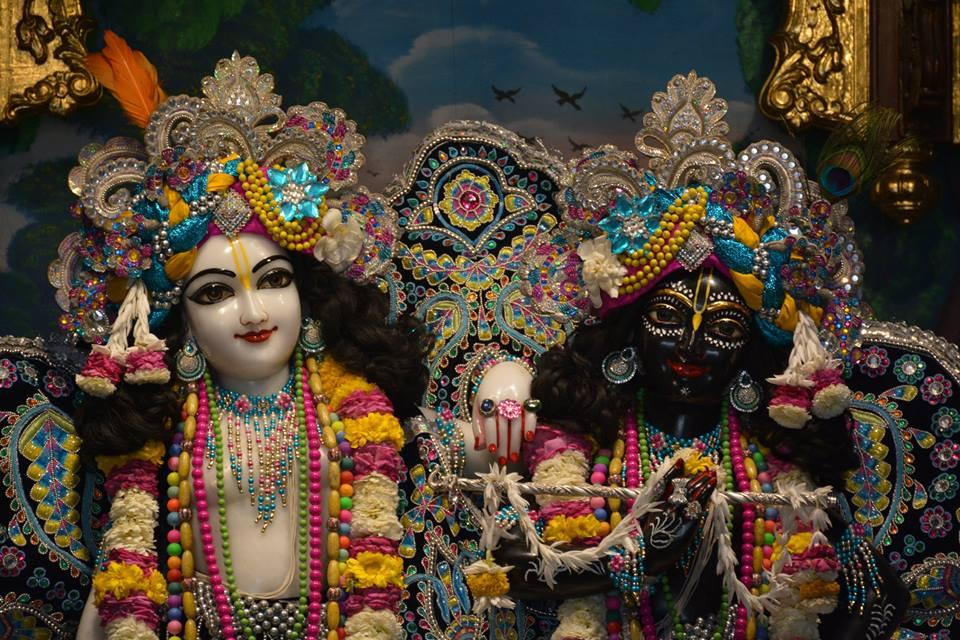 ISKCON Ujjain Deity Darshan 05 April 2016  (2)