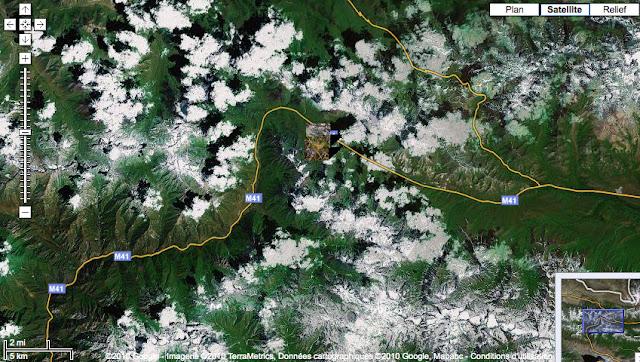 Alabel Pass entre les chaînes du Talass (à l'ouest) et de Suusamyr (à l'est)