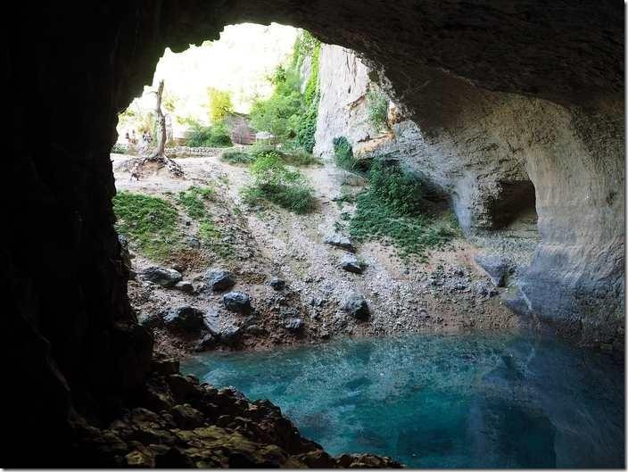 The interpretation in dream of cave in Islam