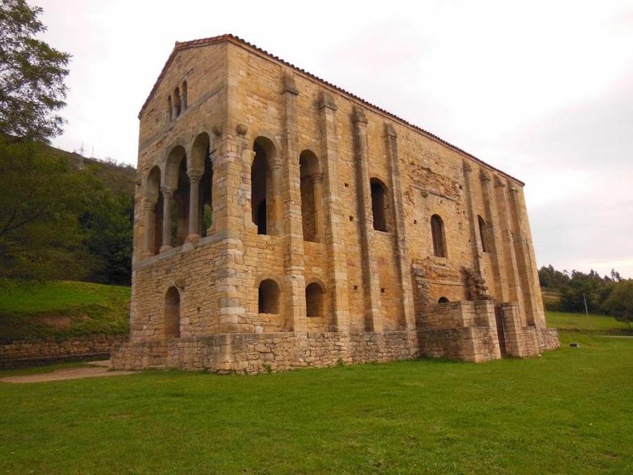 Santa María del Naranco, el elemento mas significativo del prerrománico europeo