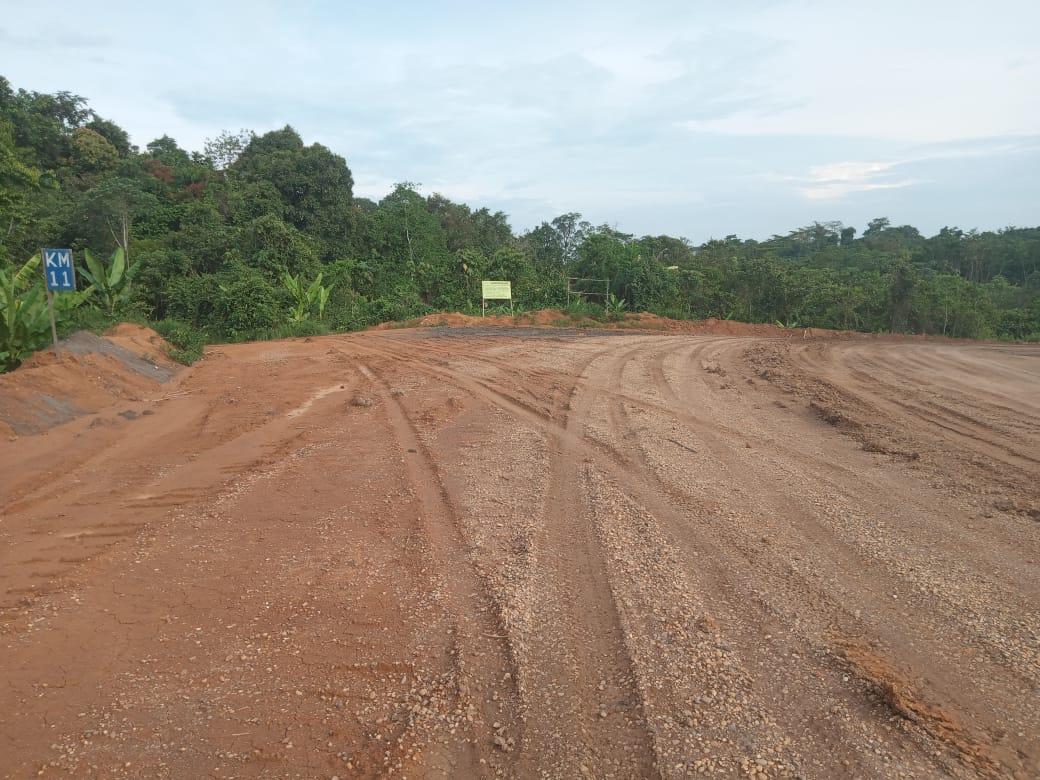 Pembuatan Jalan Baru PT. PIS Diduga Serobot Sebagian Kebun Warga Tanpa Ijin
