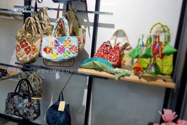 Sewing Art Gallery