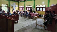 Warga Dusun Batu, Desa Siuhon Ikuti Penyuluhan Karhutla TMMD Kodim Tapsel