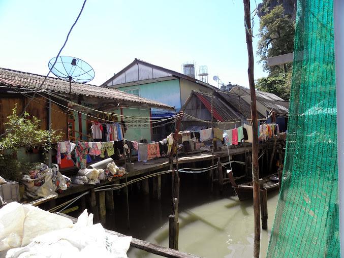 https://lh3.googleusercontent.com/-kQd38eI6TGo/Up0JWptZnWI/AAAAAAAAEPU/1rFYyQ37fu0/w677-h508-no/Tajlandia+2013+627.JPG