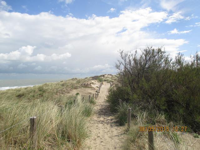 door de duinen van Bredene