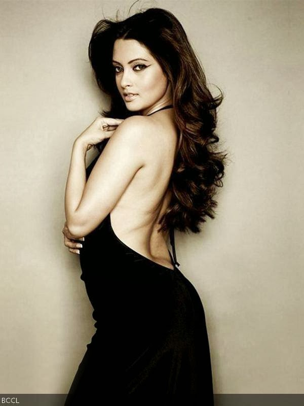Riya Sen: The Bong beauty is another stunner who not only has a great body but that elusive oomph factor to her personality.