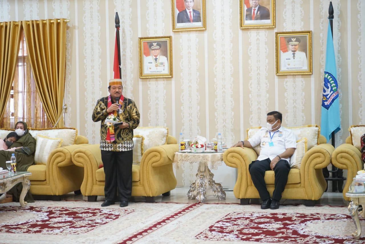 Catatan Perjalanan ke Tanah Bone, Napak Tilas Orang Tua Kami Mengungsi ke Pulau Kijang Riau
