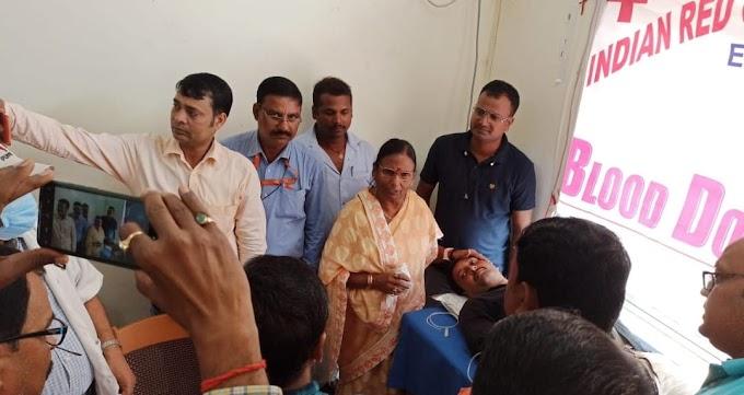 अनुमंडलीय अस्पताल ढाका में  रक्तदान शिविर का आयोजन