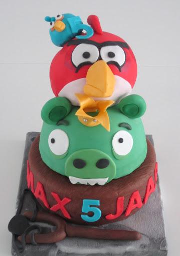829- Angry Birds stapel taart.JPG