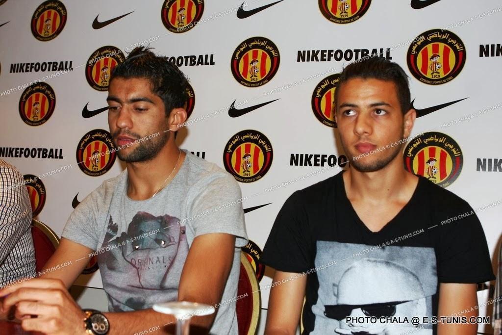Galerie photo pr sentation du nouveau maillot et des for Mohamed mbarki
