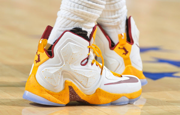 LeBron Treats Himself With a New Cavs  Dunkman PE to Celebrate 25K