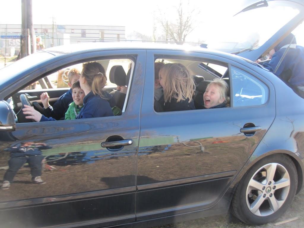 Welpen - Knutselen en auto trekken - IMG_7731.JPG