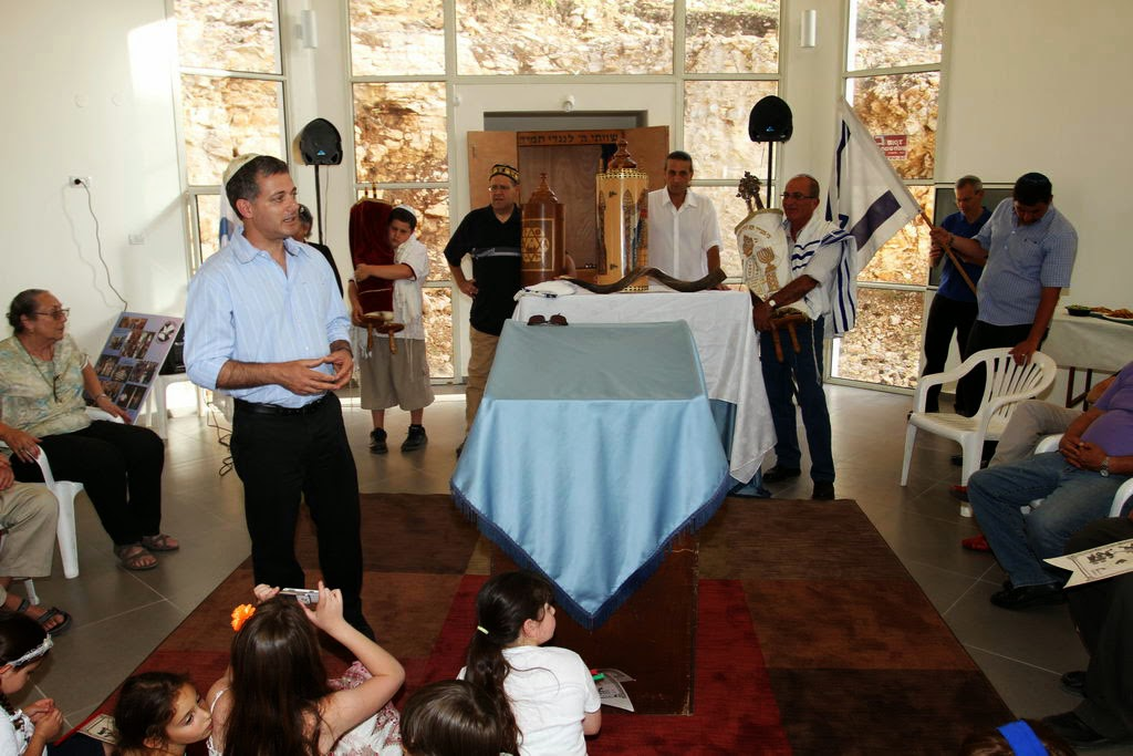 Relocating Torah Scrolls 2012  - 2012-05-25 18.07.09.jpg