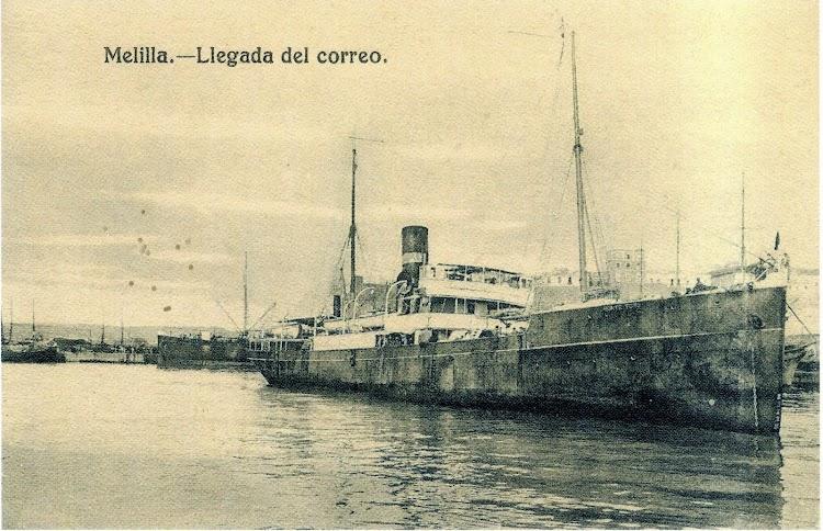 El MONTE TORO descansa atracado en el puerto de Melilla. Foto del libro El Puerto de Melilla. Una Obra Centenaria con un pasado Milenario.jpg