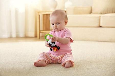 Chơi với Lục lạc gấu trúc Panda Rollerball giúp bé nhà bạn phát triển toàn diện cả về thể chất lẫn tinh thần