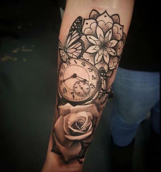 sofisticado_relgio_de_bolso_antebraço_tatuagem